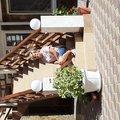 Во дворе отеля