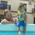 Сын бассейн оценил, водичка тёплая и чистая